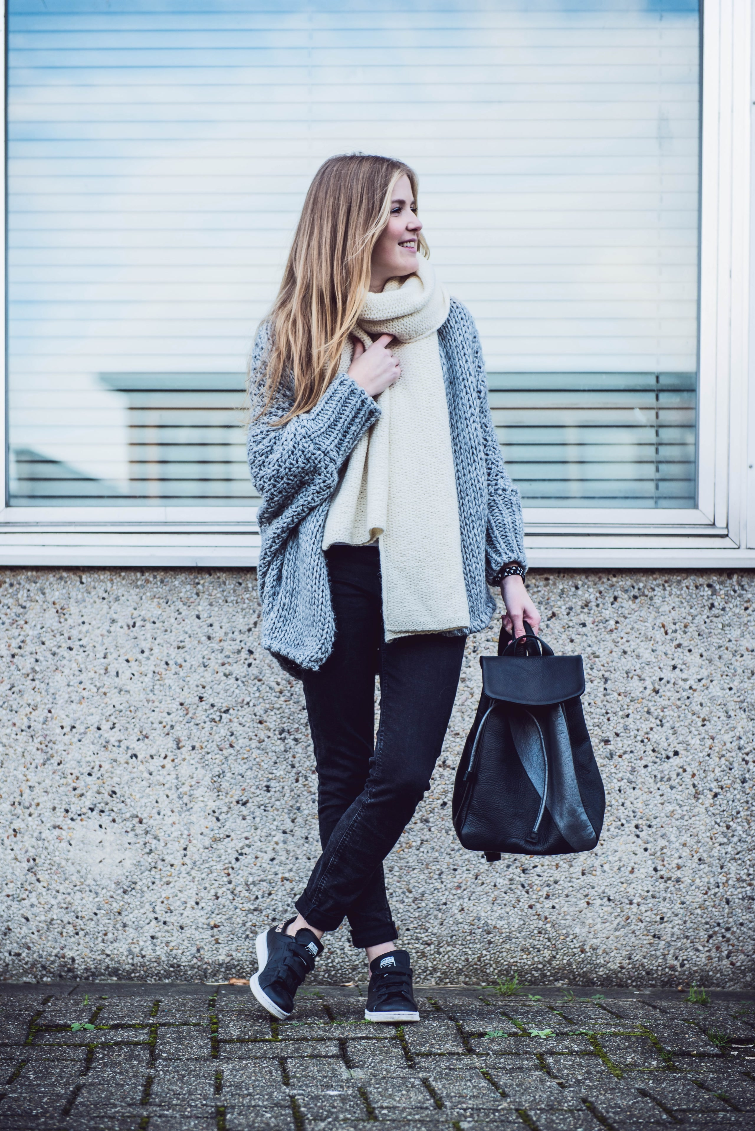 outfit knitwear grey bag